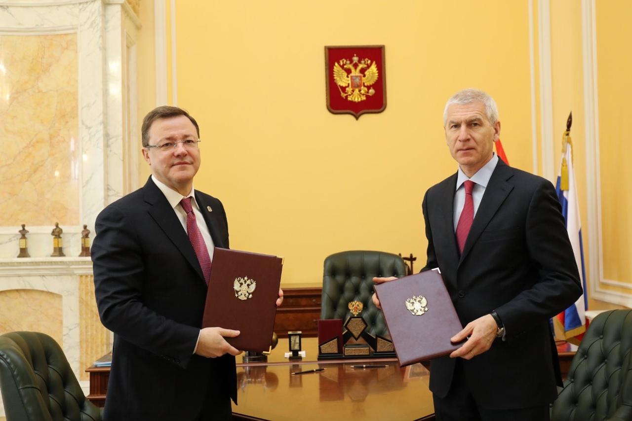 Дмитрий Азаров и министр спорта РФ Олег Матыцин заключили соглашение о сотрудничестве